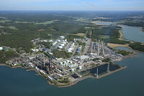 artikkelikuva: Höyrytys Oy´s movable backup energy supply secured Neste's Naantali oil refinery during a maintenance outage